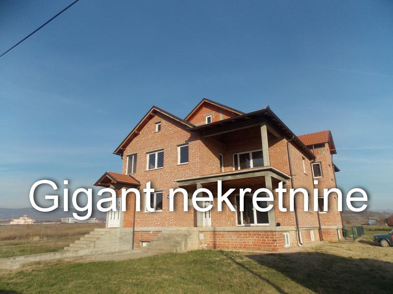Prodaja kuće u naselju B Bjegović